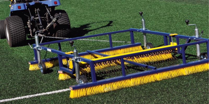 Обслуживание искусственных футбольных полей